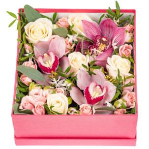 """Цветы в коробке """"Любовная история"""""""